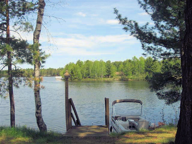 Bayside lodging rentals wisconsin vacation homes condos for Eagle river wi fishing report